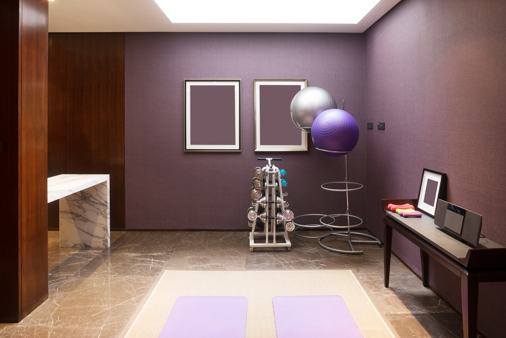 9 Tips to Turn an Extra Room into a Heart Pumping Home Gym