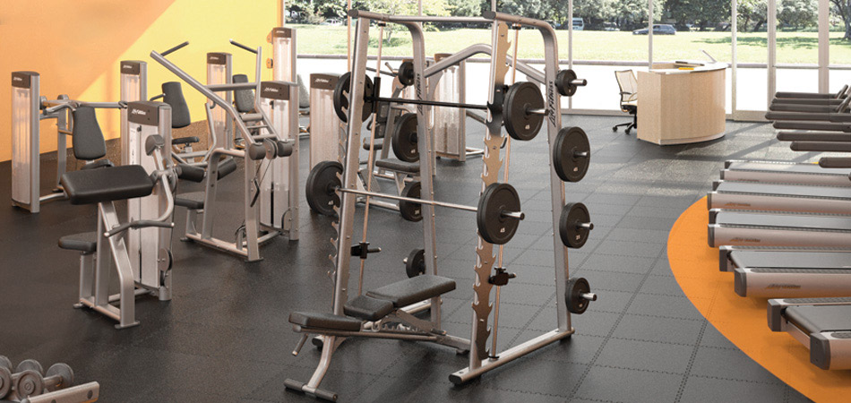 For Lifetime Lifters and Beginners Alike: Reasons the Humble Smith Machine is Making a Huge Comeback